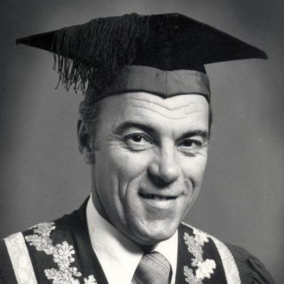 Prof MJ de Vries